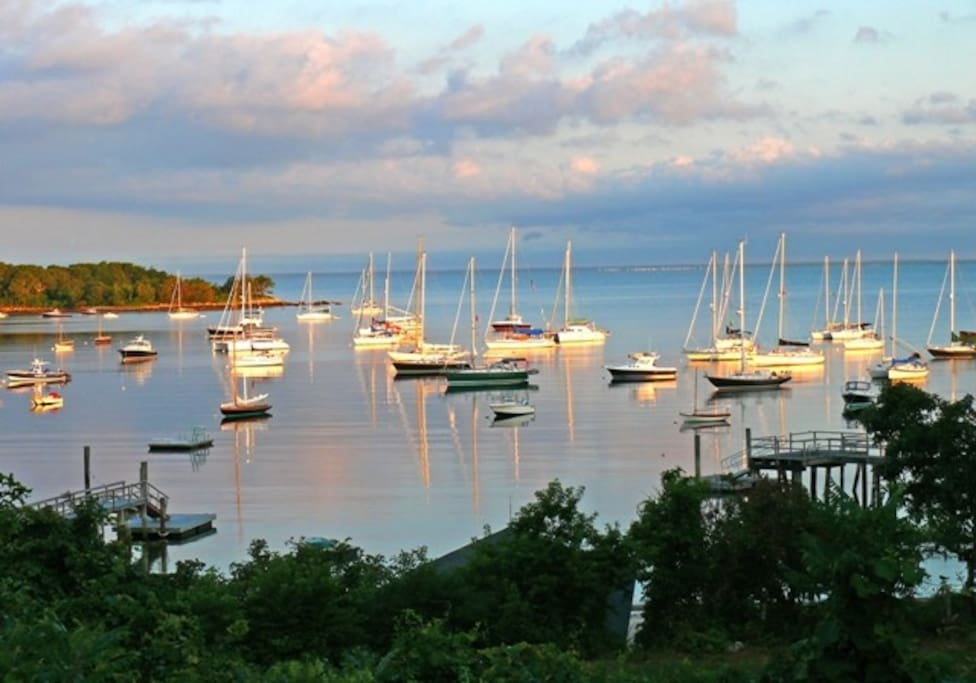 Quintessential Quissett Harbor and  Buzzards Bay views all day long.