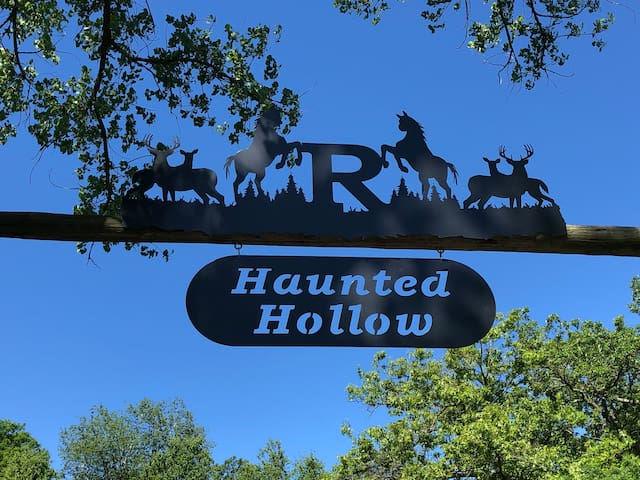 Haunted Hollow Lodge