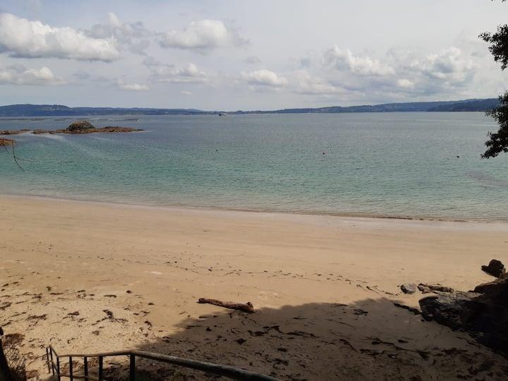 Casa en la playa junto al puerto deportivo de Sada
