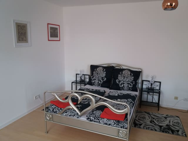 Flat In heart of Berlin! Many attractions around!
