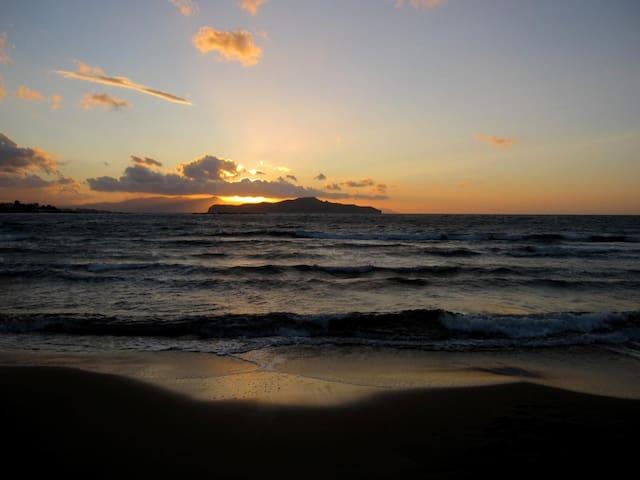 50m from the sandy,crystal clear Agia Marina beach - Agia Marina - House