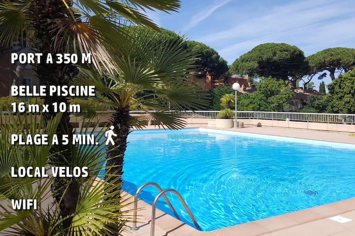 Studio proche port et plages, piscine