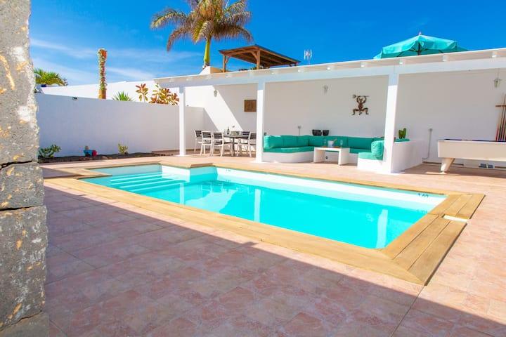 Luxury Villa Sandra with private heated pool