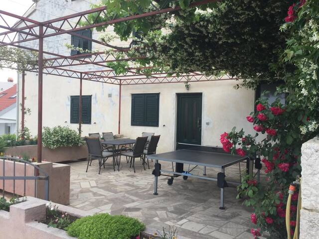 Studio flat with terrace and sea view Podstrana (Split) (AS-15428-a)