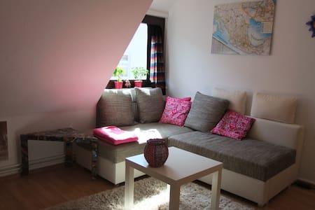 Gemütliche 2 Zimmer City Wohnung - Bremen