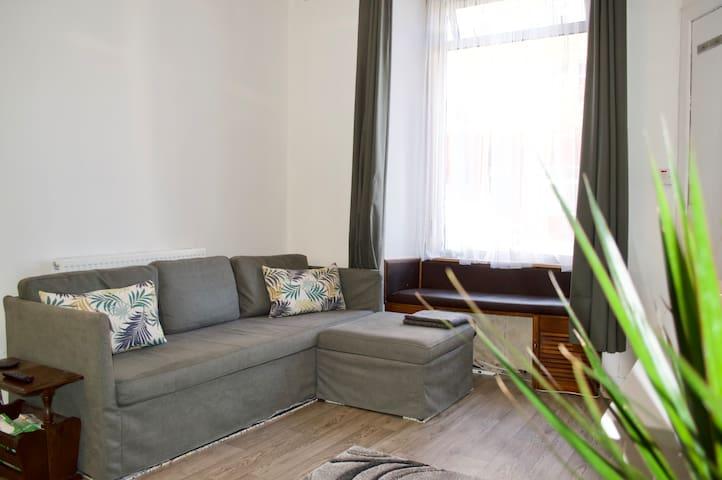 Bright & Modern One Bedroom Flat - Gorgie
