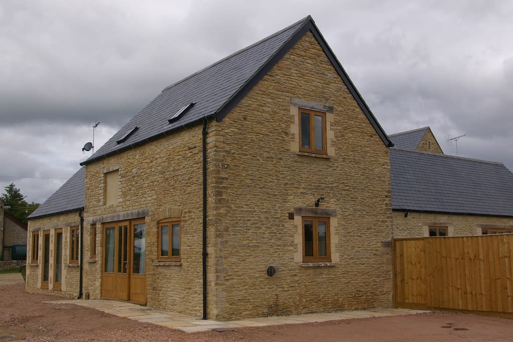 The Stables 3 bed Cottage- see separate listing