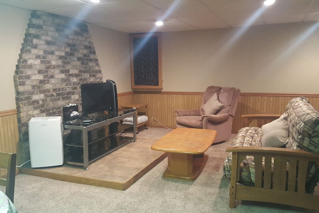 Studio, smart TV with DirecTV and Netflix. Coffee table, swivel rocker.