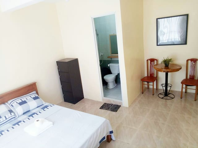 R & D Island Lodge Room #2- WIFI * AIRCON * SHOWER