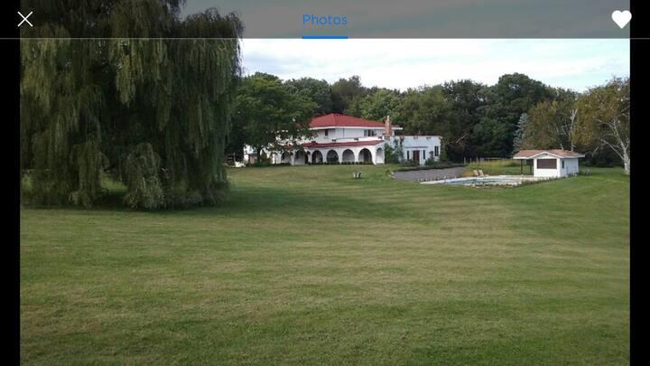 Single family Hacienda in Eau Claire, WI