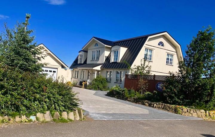Entire villa South Iceland private home