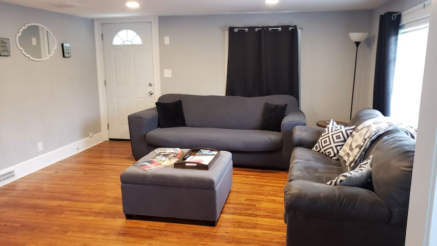Private Cottage (2BR, 1Bath) Downtown ATL