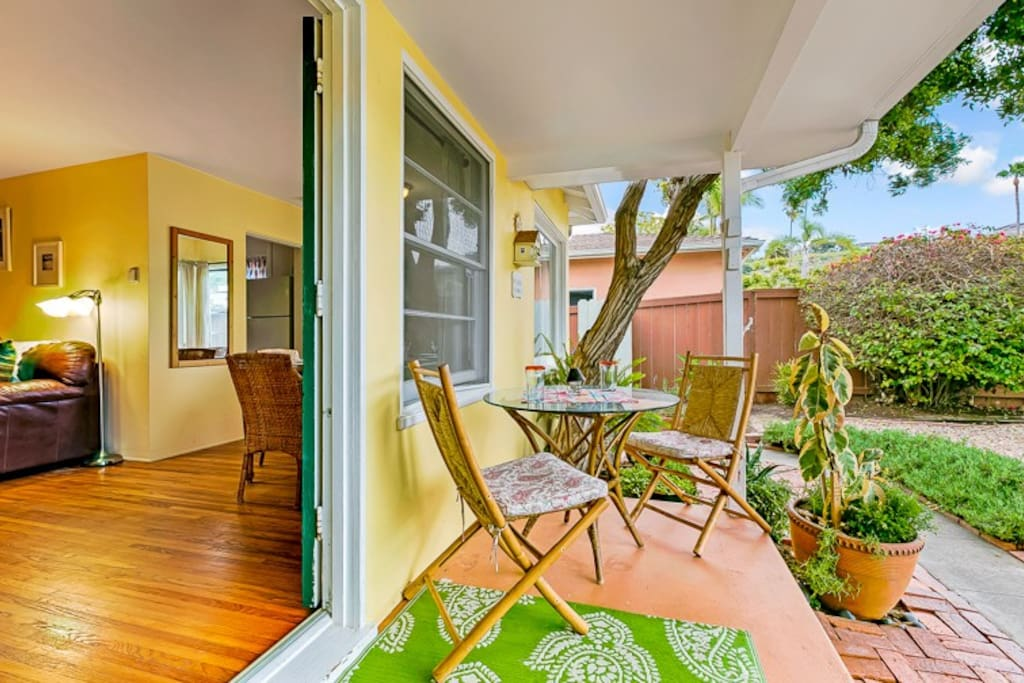 Charming Front Porch and garden at Beach Time!