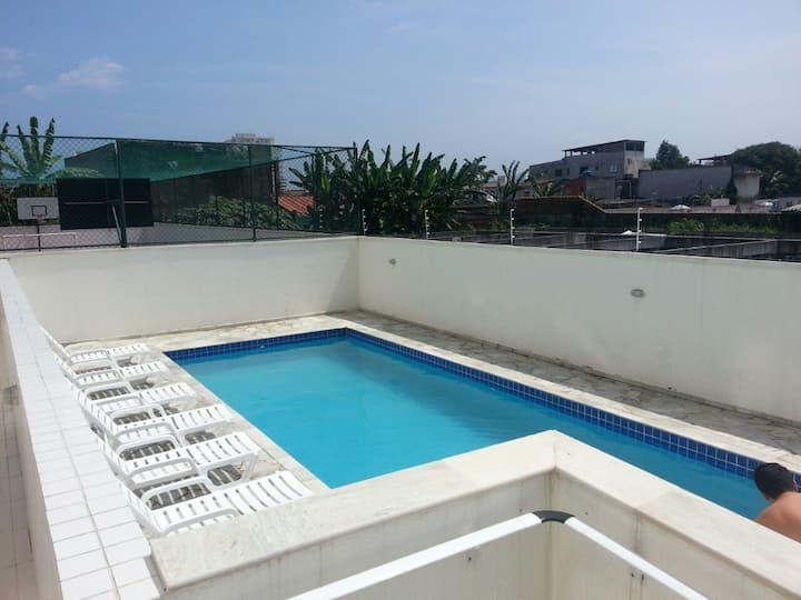 Apartamento Perto da Praia, em frente a piscina