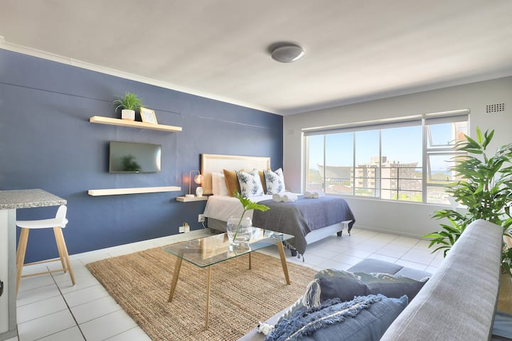 Cederberg Apartment in Green Point