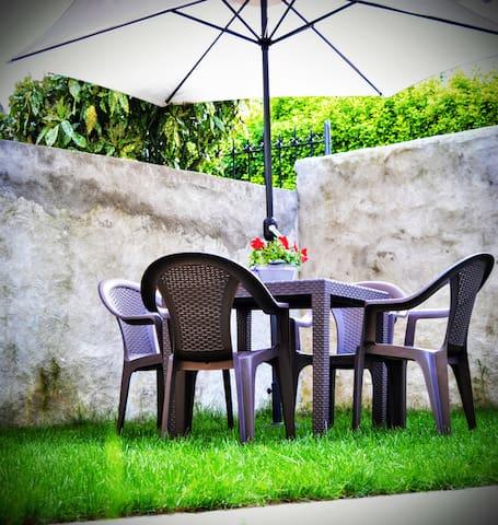 Verbania, Vignone- intera casa con giardino