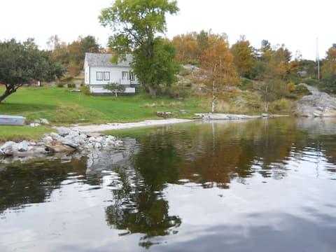 Vinnesholmen, old homestead.