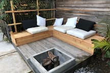 (new) wraparound bench with firepit (ground level)