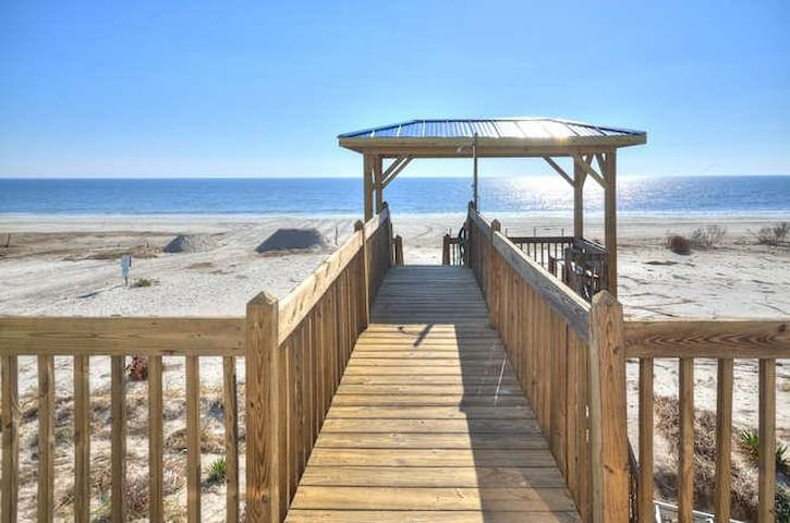 3229 E Beach Dr Jewell of the-small-002-3-Oceanfront Gazebo-666x441-72dpi