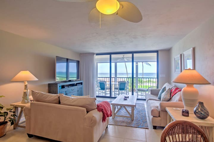 The beautifully decorated unit has 600 square feet of beach-themed living space.