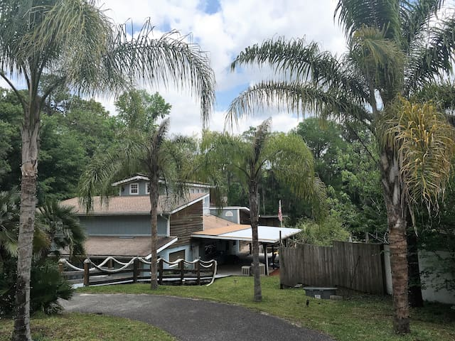 Free Boats, Kayaks, Paddle Boards, Tubes, Fire Pit - Dunnellon - Rumah