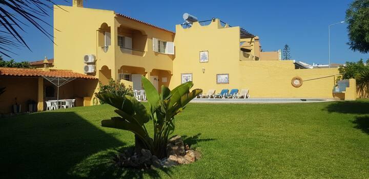 Villa/Moradia/Casa em Sesmarias, Albufeira