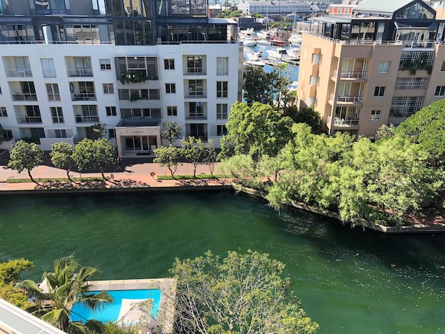 Platinum Pearl Waterfront Luxury 2Bedroom CapeTown