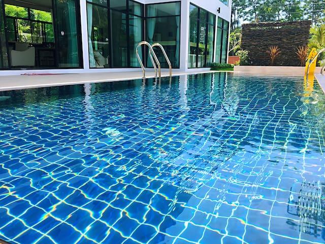 普吉岛鸳鸯桥附近巴巴海滩区域安迪私人泳池别墅