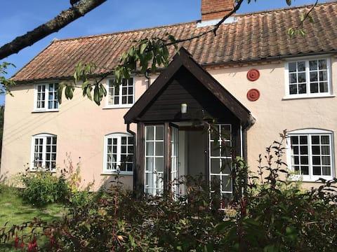 Westleton - Beautiful Cottage in Village Centre