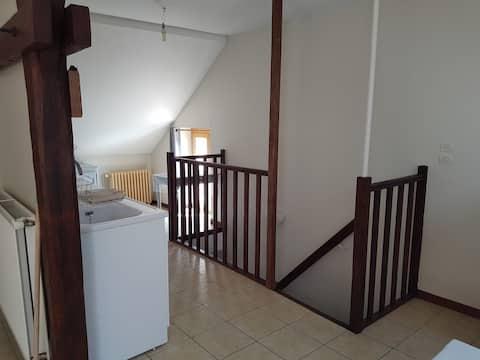 Appartement F1BIS , calme , indépendant