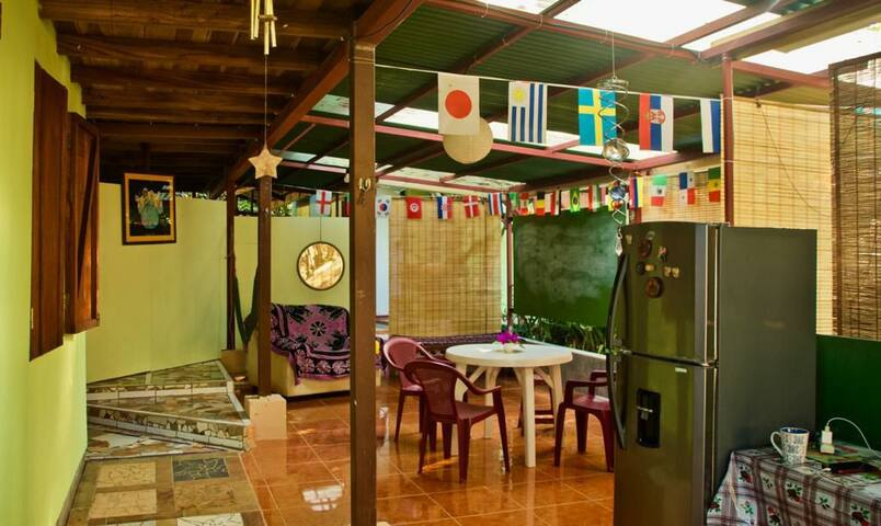 Tranquila Casa Caribeña en Vida Sana