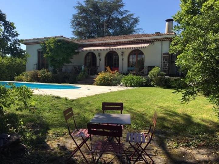 Villa 10 personnes aux pieds des Pyrénées
