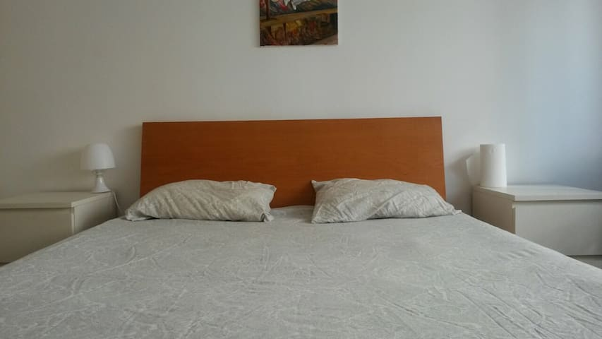 private room-double bed - Paço de Arcos - Daire