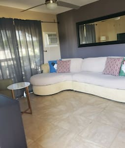 Fully furnished.  Minimum 3 months. Close to beach