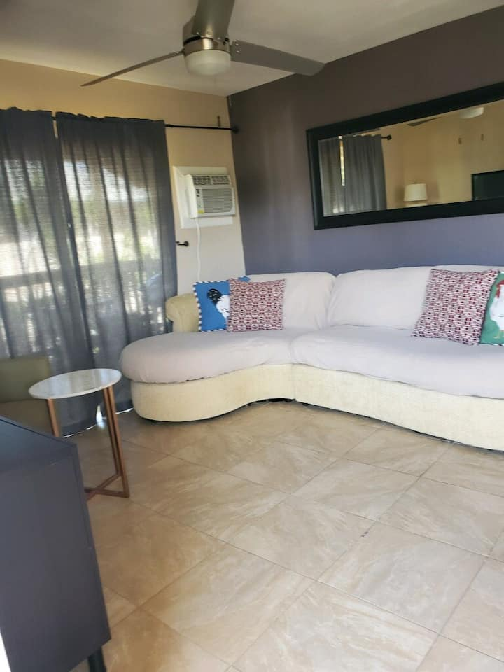 Fully furnished. Min 3 month. Close to Sugar Beach