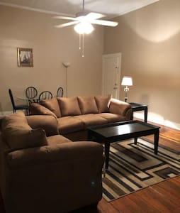 Big Downtown Meridian 1000Sqft apartment