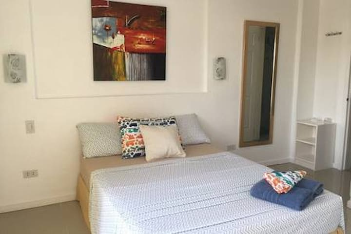 Lotlot's New Cebu City House nr Fuente Osmena HSE3