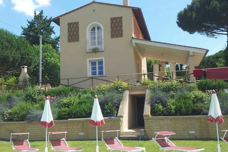 indip. House, private pool & garden - Montopoli in Val d'Arno - Dům