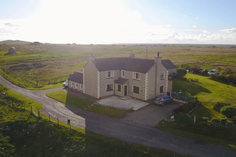 363 Leth Meadhanach - Aerial View