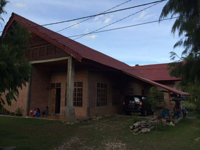 Indo' Sella' Homestay - Rantepao - House