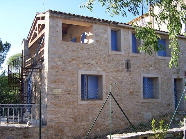 Maison vigneronne 120 m², entre vignes et garrigue