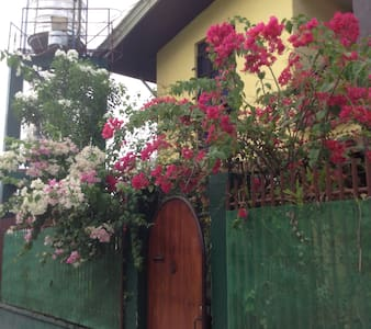 Ron and Fire's Place Double Room 1 - Tacloban City - Guesthouse