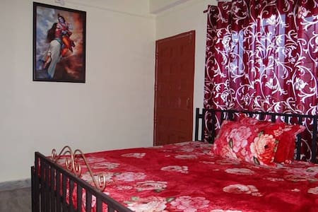 GREEN VALLEY HOME STAY Budget Family Suite - Shimla - Ház