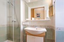 Chambre Simple avec douche
