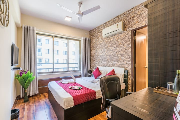 Luxury 3 rooms in Andheri East + Close to Airport