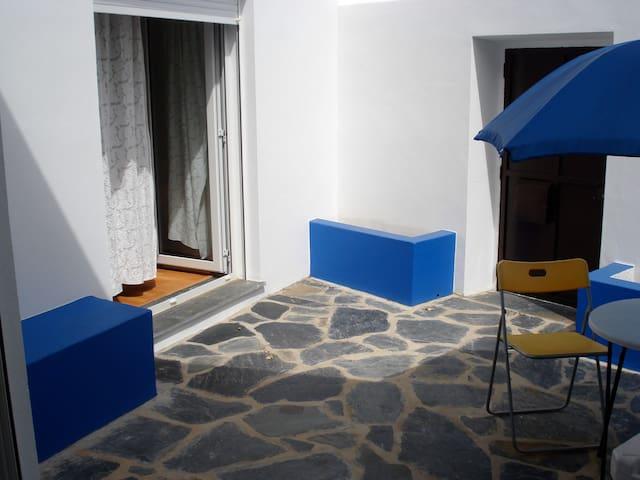 Room in a Rustic House in Alentejo - Reguengos de Monsaraz - House