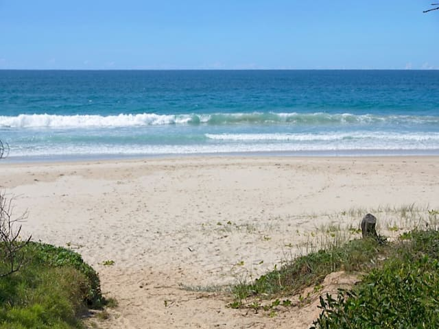 Luxury Beach House on Marine Parade, Kingscliff - Kingscliff - Apartment