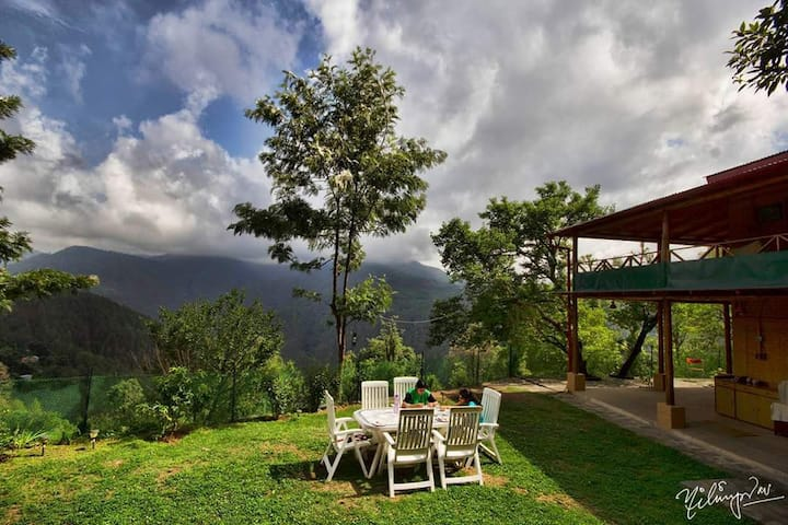 Kumaon Estate: Room with a View, Jilling Mountain