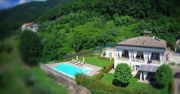 Elegante villa con piscina privata!