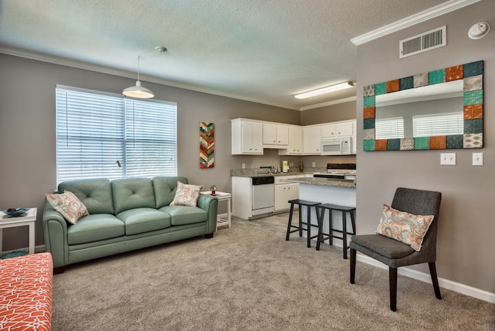 Poinciana  211 ~ Trendy & Minutes to the beach!
